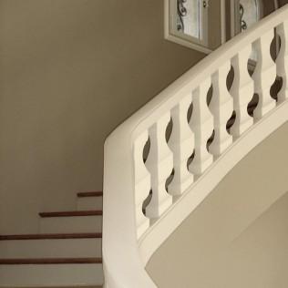 entreprise-de-renovation-cage-d'escalier-maison-grasse