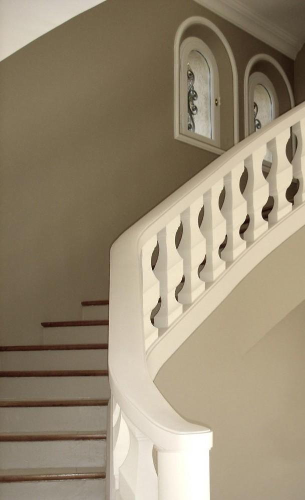 R novation de maison grasse les go ts et les couleurs for Renovation cage escalier maison
