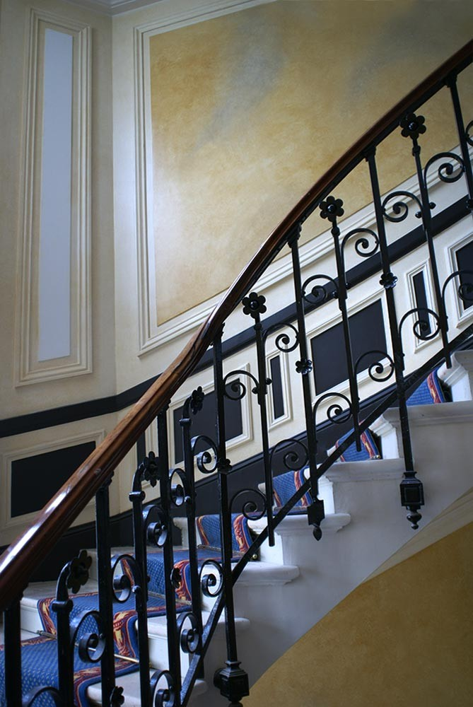 peintre en d 233 cor r 233 novation cage d escalier immeubles